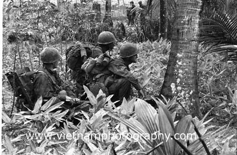 0310.jpg u2022 add to lightbox. Troops take break in dense triple-canopy jungle ... & Vietnam Photography